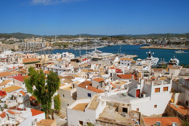 ibiza airbnb anfitriones baleares