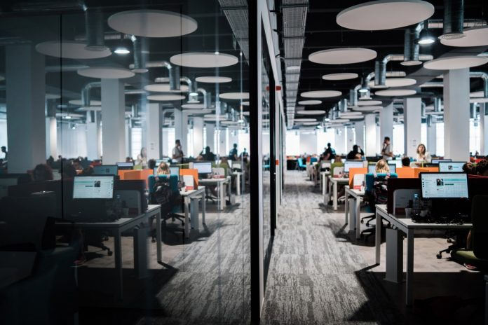 airbnb call center barcelona