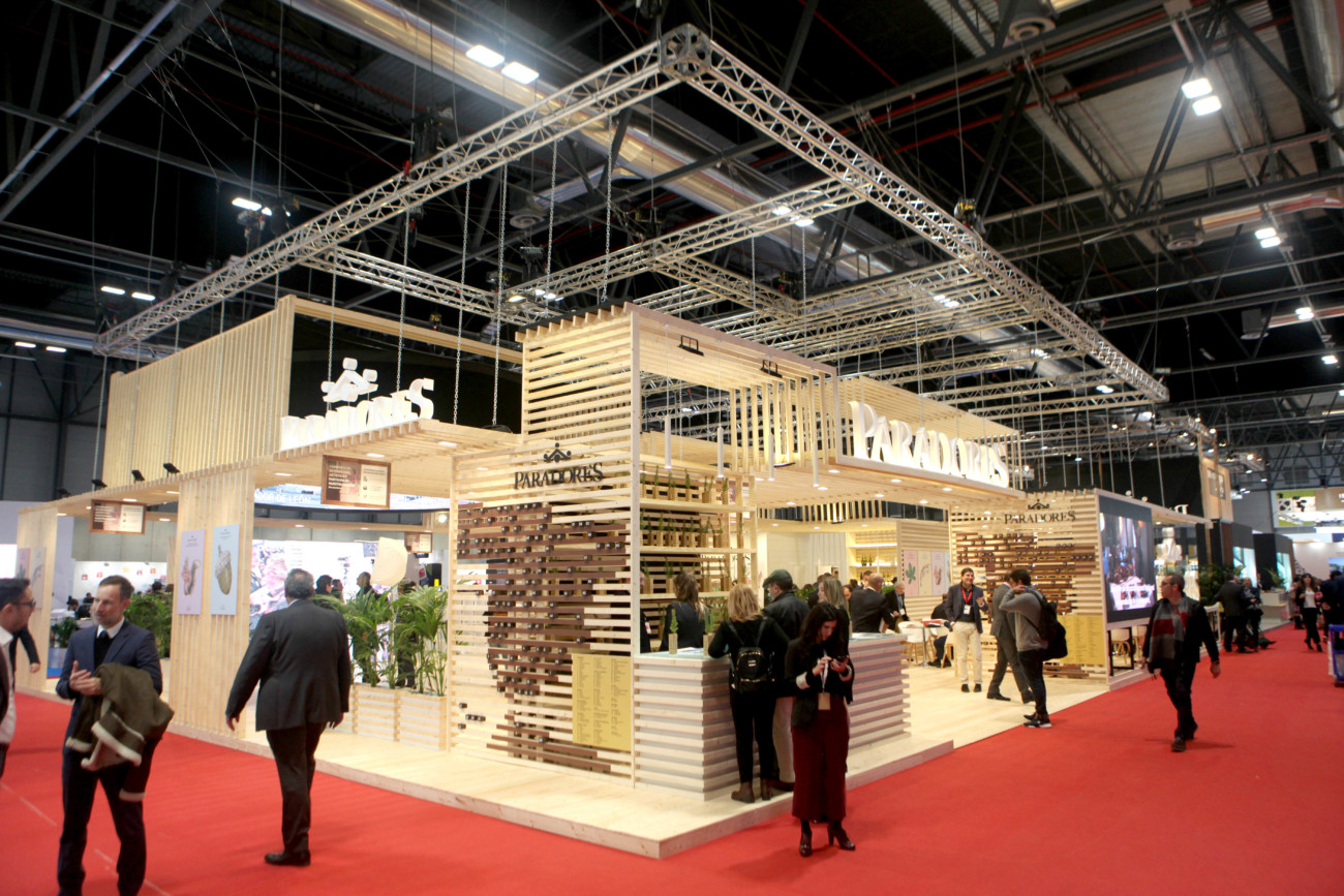 paradores stand sostenible fitur