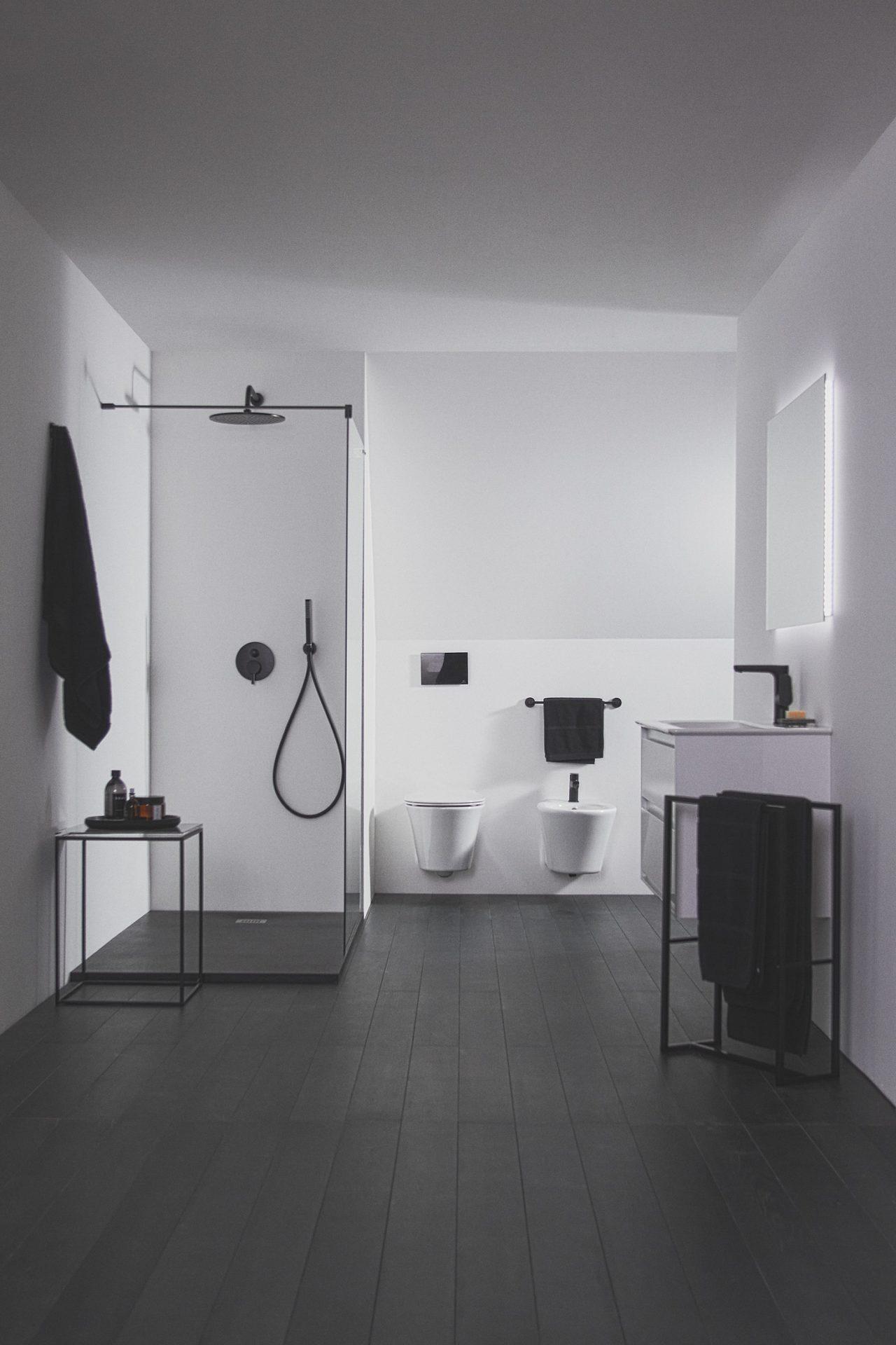 acabado negro seda de  Ideal Standard